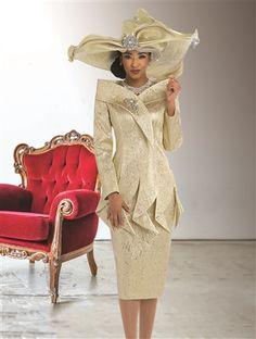 Over-the-top elegant outfit rating. Model rocks the house wearing it💖 Church Suits And Hats, Women Church Suits, Church Attire, Church Dresses, Church Outfits, Suits For Women, Women Wear, Church Hats, Indie Outfits