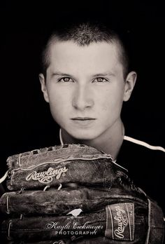 Senior portraits For Boys :: Baseball :: Kayla Eickmeyer Photography