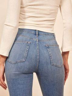 Do your ass a favor. This is a high rise, stretch jean with a super skinny fit that will hug you in all the right places. The High Skinny Crop has a super easy and comfy fit due to the super stretch denim. Going Out Outfits For Women, Best Jeans For Women, Tops For Leggings, Leggings Are Not Pants, Trendy Outfits, Cool Outfits, Fashion Outfits, Unique Outfits, Beautiful Outfits
