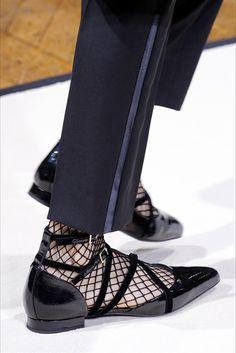 Scarpe, borse, cappellie tantissimi gioielli: nella nostra gallery, in continuo aggiornamento, troverete gli accessori moda visti alla Parigi