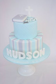 33 Unique Christening Cake Ideas with Images - My Happy Birthday Wishes Baby Boy Cakes, Cakes For Boys, Fondant Cakes, Cupcake Cakes, Boy Communion Cake, Dedication Cake, Theme Bapteme, Christening Cake Boy, Baptism Cakes