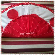 Un bolso muy Flamenco - I like to sew Hand Fan, Tree Skirts, Polka Dots, Christmas Tree, Sewing, Holiday Decor, Africa, Couture, Blog