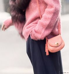 Felicity Sargent, street style, fur stole, pink, New York City / Garance Doré