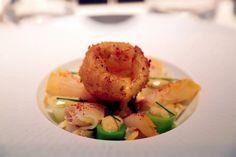Les Fables de la Fontaine, rue Saint Dominique est un restaurant gastronomique  un cadre chaleureux, une cuisine divine et des prix accessibles.