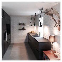 Beautiful Kvik kitchen at the home of @katrineminke PS: love the subway tiles #tintabykvik #kvikkitchen#kvik#kitchen#køkken#subwaytiles
