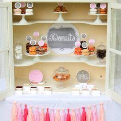 The Next Big Thing: Wedding Donuts - Brisbane Wedding Weekly - Donut Decorating Bar