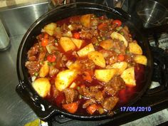 Curry pot South African Recipes, Ethnic Recipes, My Recipes, Dessert Recipes, Desserts, Cast Iron Cooking, Food N, Recipe Today, Outdoor Cooking