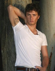 I'll be your Wendy, if you'll be my PeterPan, you take my hand and we'll fly off to NeverLand... Marry Me Jeremy Sumpter?