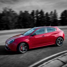 Alfa Romeo Giulietta została stworzona by dominować na drodze, niezależnie od panujących warunków! Poznaj ją bliżej: http://www.alfaromeo.pl/pl/modele/giulietta