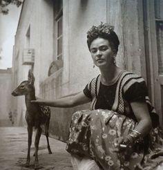 frida kahlo, with granizo, 1939 in coyoacan, photo by nickolas muray, via his homepage Diego Rivera, Frida E Diego, Frida Art, Vintage Photographs, Vintage Photos, Vintage Stuff, Pet Deer, Baby Deer, Nickolas Muray