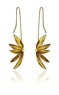 Aretes Anis Largos Baño en Oro Andrés Rodríguez   Antes: $226,000.00, HOY: $97,000.00 Earrings Handmade, Gemstone Jewelry, Glamour, Gemstones, Resin, Crafts, Bohemian, Jewellery, Natural