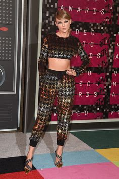 8155ca79aae All The Hottest Red Carpet Looks at the 2015 MTV Video Music Awards