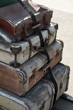 Vintage suitcases - so many décor possibilities, and would be so neat to know where those bags have been over the years!