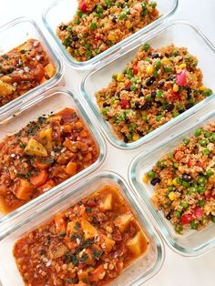 """Söndag igen och det är dags för mealprep! Det är slutet på denna månad, innebär att det är sista veckan innan lön. Som en del säkert är medveten om och upplever är att det är lite mer """"fattigt"""" sista veckan i månaden. Därför att jag skrapat ihop vad jag hade i kylskåpet och skafferiet. FATTIGA VECK Fried Rice, Meal Prep, Fries, Veggies, Meals, Ethnic Recipes, Food, Bulgur, Essen"""