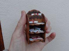 ♡ ♡  Casa de muñecas Miniaturas Artesano Estilo del Victorian del vintage Documento Music Magazine Estantes de libro