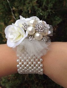 This is for three wrist corsages Beautiful pearl brooch wrist corsage. Great for Mother of the Bride and Groom! Made to order Can make requests for different color flowers Brooch Corsage, Corsage And Boutonniere, Wrist Corsage, Brooch Bouquets, Boutonnieres, Bling Bouquet, Corsage Wedding, Wedding Bouquets, Prom Corsage