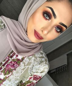 Photo of 17 Autumn Eye Makeup Ideas That Will Make You Love Fall 2017 Even Makeup Trends, Makeup Tips, Beauty Makeup, Eye Makeup, Makeup Ideas, Unique Makeup, Basic Makeup, Colorful Makeup, Cool Skin Tone