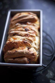 Ham & Cheese Pull-Apart Bread