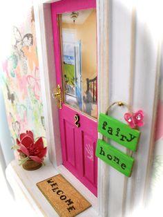 Fairy Door Hot Pink Door Backyard Beach View by apeekinside Lil Fairy Door, Tooth Fairy Doors, Backyard Beach, Loose Tooth, Fairy Crafts, H & M Home, Little Girl Rooms, Fairy Land, Fairy Houses