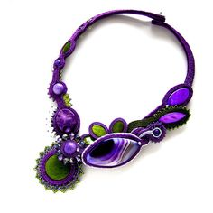 Bijoux feitas com soutache