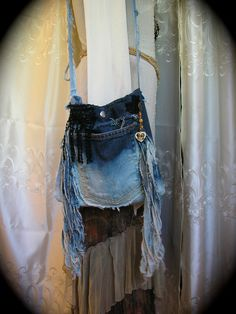 IDEA FOR YOUR JEANS THAT NEED FIXEN!