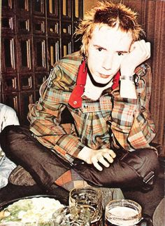 John Lydon of the Sex Pistols wearing Vivienne Westwood c.1976 #punkrock #fashion