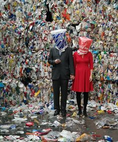 An interview with Swaantje Güntzel, the artist who throws plastic trash back into our faces Fast Fashion, Fashion Art, Editorial Fashion, Photography Projects, Fashion Photography, Textiles, Geisha, Waste Art, Trash Art