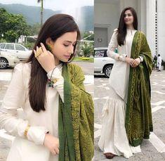 Best Trendy Outfits Part 33 Pakistani Fashion Casual, Pakistani Dresses Casual, Indian Fashion Dresses, Dress Indian Style, Pakistani Dress Design, Indian Outfits, Fashion Outfits, Emo Fashion, Trendy Outfits
