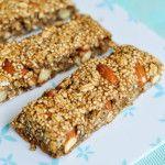 Puffed Quinoa Oat Bars Recipe |VeganFamilyRecipes.com | #healthy #easy #vegan
