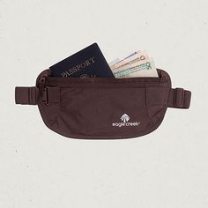 Undercover Money Belt, so thin that it can even work under women's clothing