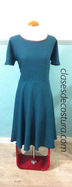 Aquí otro vestido de Raquel! Mismo patrón. Distinto tejido. Resultado maravilloso!