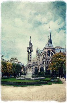 square Jean XXIII - Paris 4e