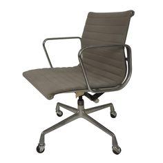 $975  Horseman Antiques Inc. / Herman Miller Eames Office Chair