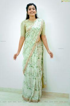 Rashmika Mandanna in Designer Saree Photo Shoot Image 109 Stylish Blouse Design, Fancy Blouse Designs, Bridal Blouse Designs, Stylish Sarees, Stylish Dresses, Sarees For Girls, Saree Photoshoot, Saree Trends, Indian Fashion Dresses