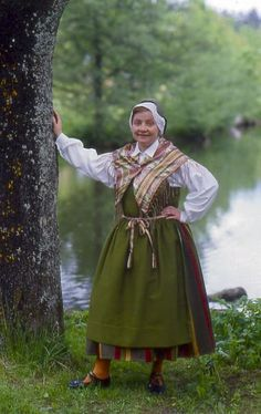Folkdräkter - Dräktbyrå - Brage. Pojo, Nyland Meanwhile In Finland, Folk Costume, Costumes, Folk Clothing, Fashion History, Traditional Dresses, Folklore, Passion For Fashion, Embroidery