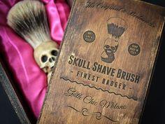 Skull Shaving brush - with elegant box: