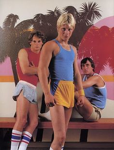 Gay male style c. 1973 The very tight tank top, short shorts and high socks are examples of century style because of how certain parts of the body are defined. 80s And 90s Fashion, Retro Fashion, Vintage Fashion, Men's Shorts, Short Shorts, Tight Tank Top, Vintage Sportswear, Cute White Boys, 1970s