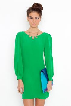I REALLY like this! Green is such a fashionable color.