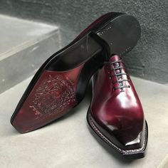 Alligator shoes and men's alligator boots, loafers, sneakers for sale, all our genuine alligator skin shoes are handcrafted by professional craftsmen. Italian Shoes For Men, Best Shoes For Men, Formal Shoes For Men, Mens Suede Boots, Mens Shoes Boots, Shoe Boots, Male Shoes, Designer Dress Shoes, Gentleman Shoes