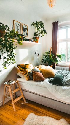 Fantastic Bohemian Bedroom Designs and Decor - interior inspiratio . Fantastic Bohemian Bedroom Designs and Decor - interior inspiratio . Room Decor Bedroom, Home Bedroom, Bedroom Design, Room Inspiration, Bedroom Diy, Aesthetic Bedroom, Decorate Your Room, Room Ideas Bedroom, Apartment Decor