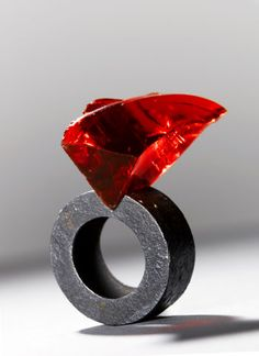 Philip Sajet - Ring: Shard Glass, niello, silver.