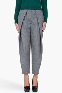 Carven for Women Collection Pleated Pants, Skirt Pants, Shorts, Fashion Pants, Diy Fashion, Fashion Design, Trouser Jeans, Trousers, Fashion Project