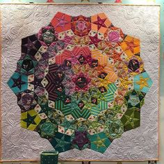 Just ordered the Paper Pieces packs to make 'Tula Nova' - Tula's take on a giant La Pasacaglia block! Who wants one? #tulapink #tulatroops #tulanova #paperpieces #englishpaperpiecing #TQAgoestoSTL #TQAquiltmarket