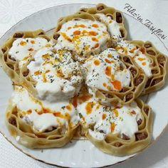 Petek Mantı Yapılışı Italian Chicken Dishes, Food Blogs, Cake Recipes, Food And Drink, Yummy Food, Baking, Breakfast, Sweet, Cook