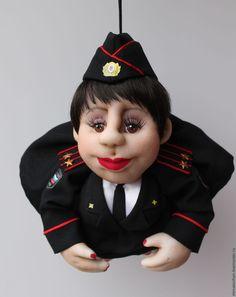 Купить или заказать Куклы -профессии. Кукла попик на удачу. в интернет-магазине на Ярмарке Мастеров. Главный девиз этой куколки: «Пусть удача поворачивается к вам лицом, а не....ОПОЙ»! Отлично впишется в любой интерьер, будет радовать Вас своим присутствием, а также принесёт в ваш дом удачу. Станет отличным подарком для любого случая. Исполнена в скульптурно-текстильной технике из капрона. Учту Ваши пожелания в прическе, одежде, цвете глаз. Кукол можно изготовить разных профессий: доктор…