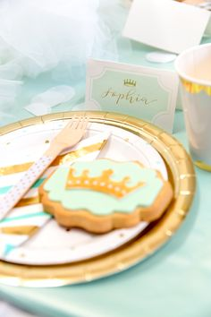 Create this pretty mint princess party with help from this gorgeous petite party kit from Mooico. Party Kit, Gold Party, Princess Party, Mint, Create, Birthday, Peppermint, Birthdays, Birth Day