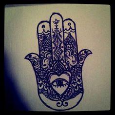 Hearted hamsa