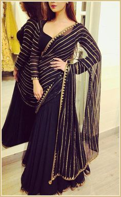 From Indian Movies to Street: Saree Styles - Classic Saree Styles Source by stylishfashiontips - Indian Gowns Dresses, Indian Fashion Dresses, Pakistani Bridal Dresses, Dress Indian Style, Pakistani Dress Design, Indian Designer Outfits, Fashion Outfits, Stylish Dresses For Girls, Stylish Dress Designs