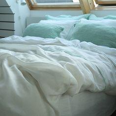 Duvet Cover White With Mint Piping linen #linen bedlinen #mint #white