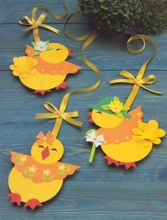 Cute Easter ideas from the paper! Kirigami chicken and rabbits for Easter ornaments and Easter cards. Spring Crafts For Kids, Art For Kids, Kids Crafts, Diy And Crafts, Felt Crafts, Paper Crafts, Easter Projects, Easter Ideas, Easter Art